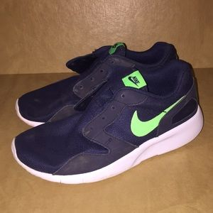 Nike youth size 4.5 Shoes
